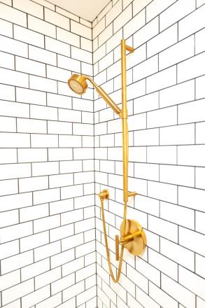 bathroom bronze shower fixture - Indianapolis, IN - Higgins